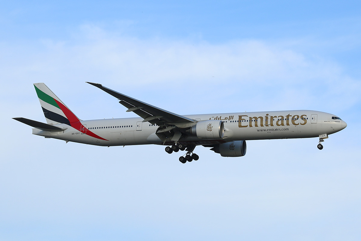 A6-EGY Boeing 777-31H ER (MSN 41080/1039) of Emirates at Perth Airport - Sun 16 Nov 2014