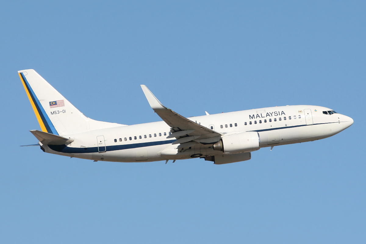 M53-01 Boeing 737-7H6 (BBJ) (MSN 29274) of the Royal Malaysian Air Force at Perth Airport – Sun 16 Nov 2014.