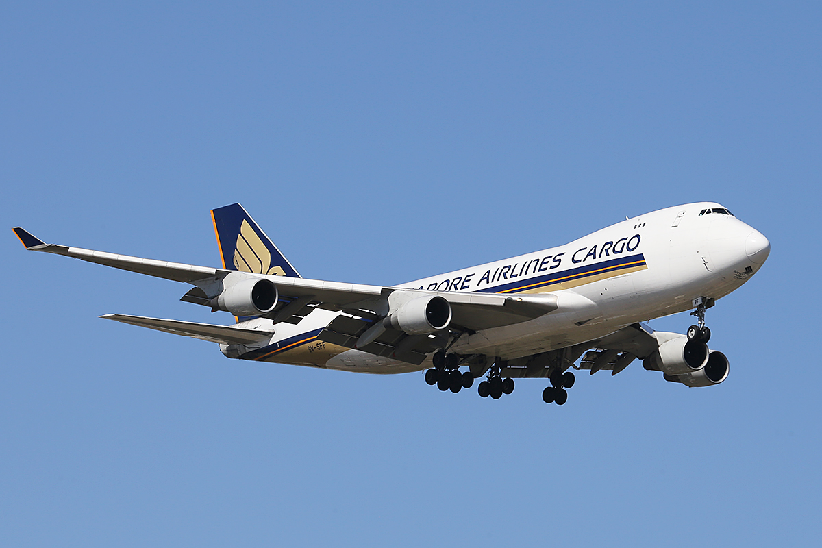 9V-SFF Boeing 747-412F (MSN 28026) of Singapore Airlines Cargo at Perth Airport – Mon 24 Nov 2014.