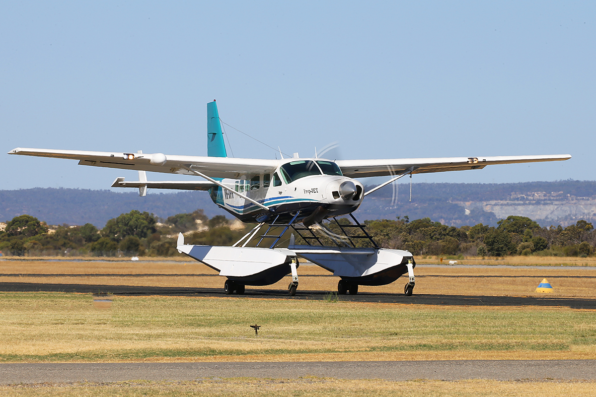 VH-OPH Cessna 208 Caravan floatplane (MSN 20800157) of Catalina Airlines at Jandakot Airport – Australia Day, Mon 26 January 2015.
