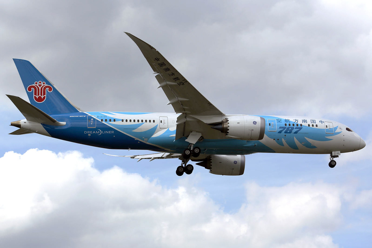 B-2735 Boeing 787-8 Dreamliner (MSN 34928 / 119) of China Southern, landing at London-Heathrow Airport - 17 July 2014. Photo © Ian Moy