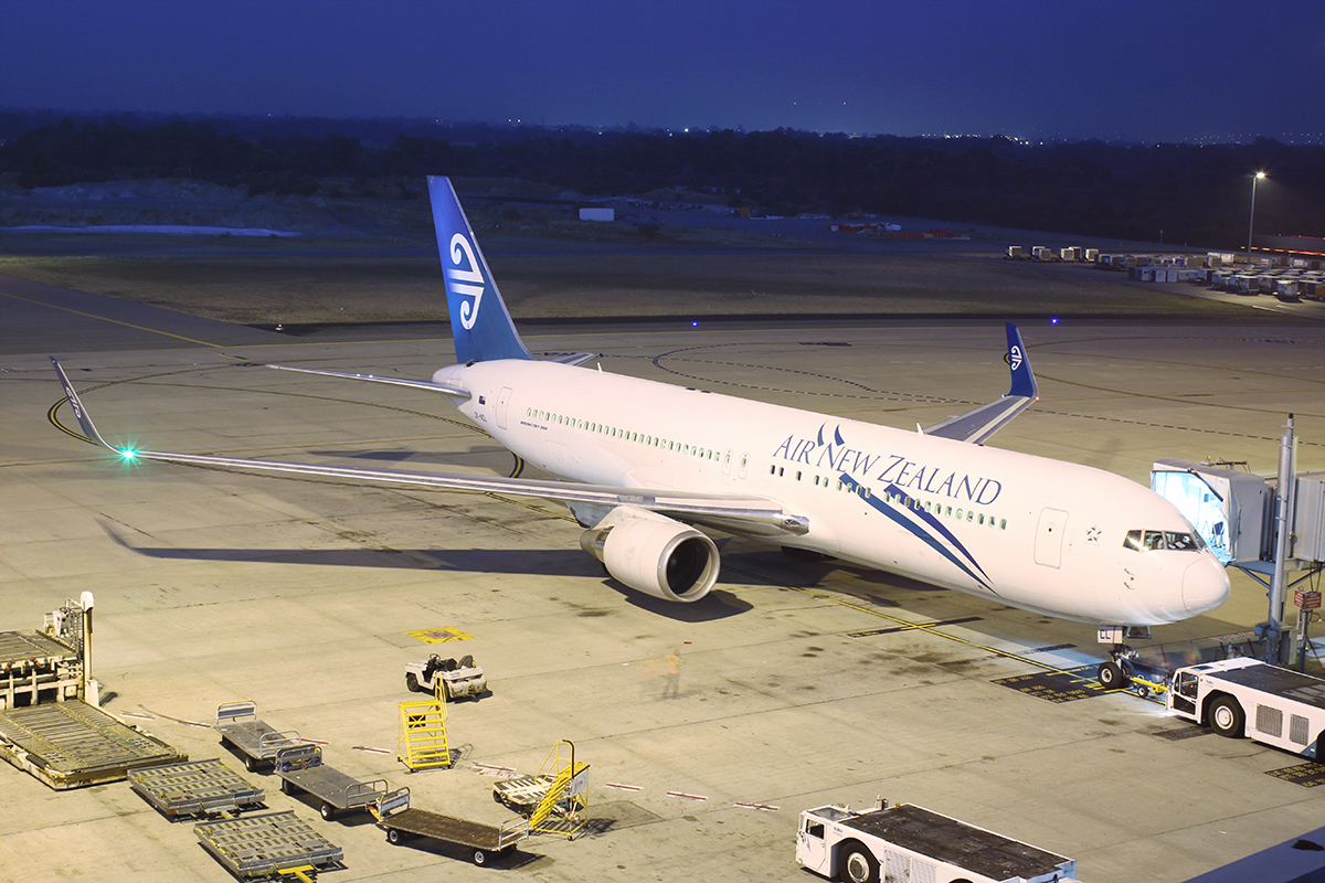 ZK-NCL Boeing 767-319ER (MSN 28745) of Air New Zealand at Perth Airport – Sun 26 Oct 2014.