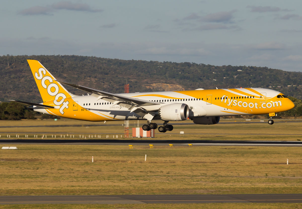 9V-OJA Boeing 787-9 Dreamliner (MSN 37112/240) of Scoot at Perth airport – Mon 2 Mar 2015. Flight TZ8 from Singapore, landing on runway 21 at 5:49pm. Photo © Evan Robson
