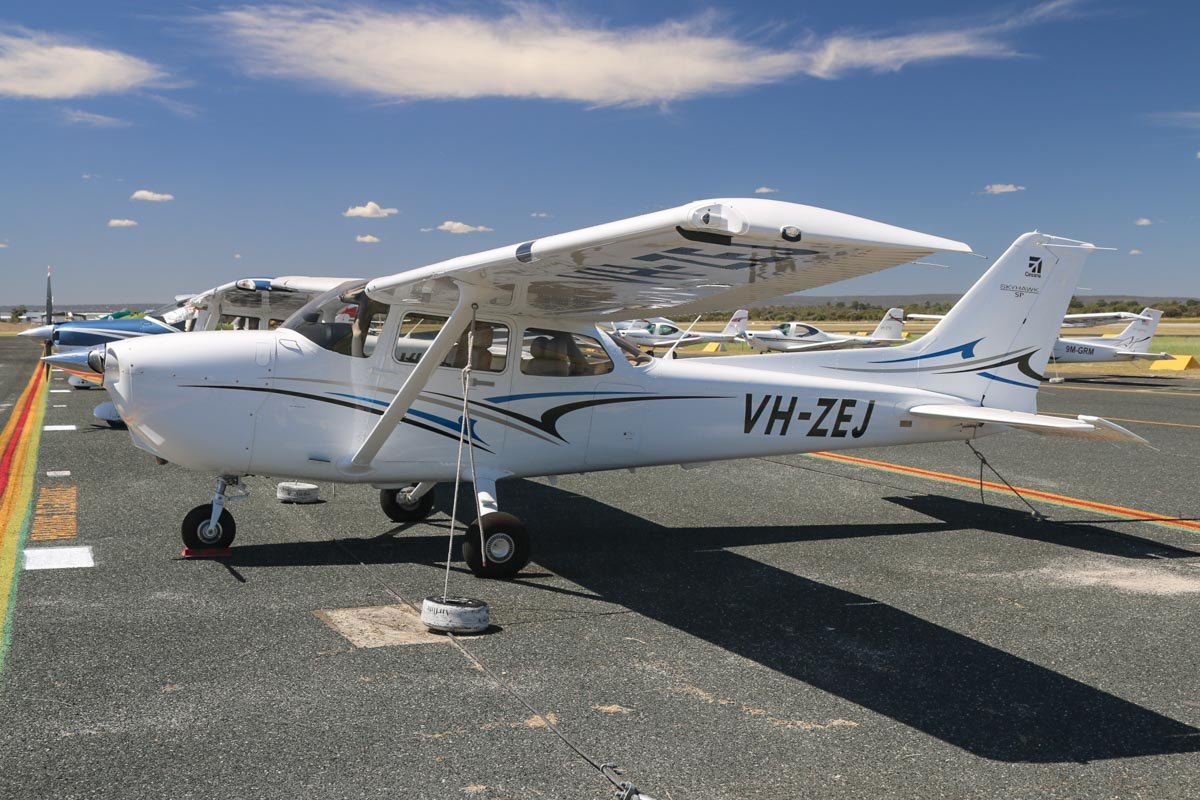 VH-ZEJ Cessna 172S Skyhawk SP (MSN 172S11410) owned by Airflite Pty Ltd, at Jandakot Airport - Mon 9 March 2015. Built in 2014, ex N5523L. Photo © David Eyre