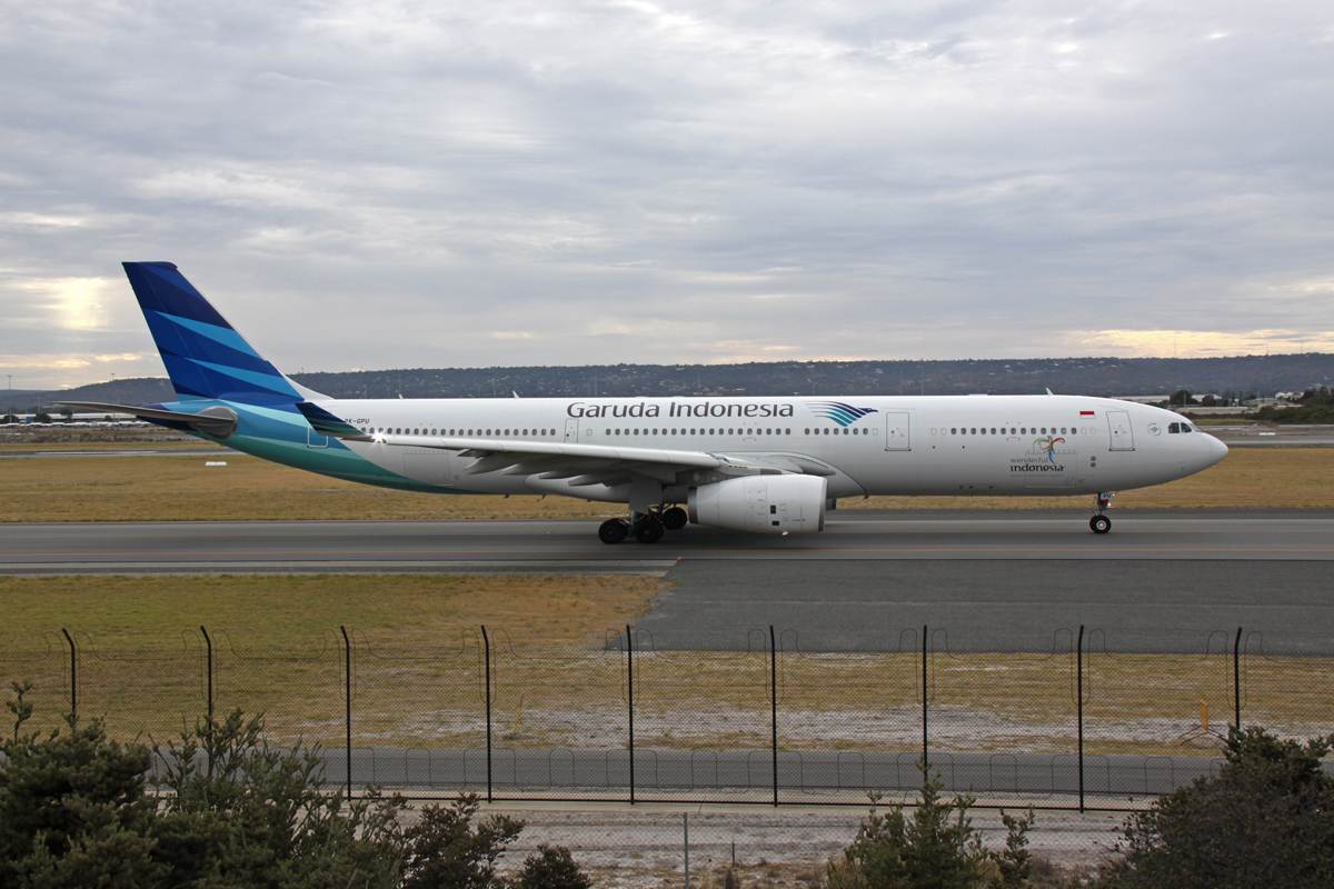 PK-GPU Airbus A330-343X (MSN 1560) of Garuda Indonesia, at Perth Airport - Fri 13 March 2015. Flight GA727 to Denpasar (Bali), taxying out to runway 03 at 7.56am for takeoff. Photo © Steve Jaksic
