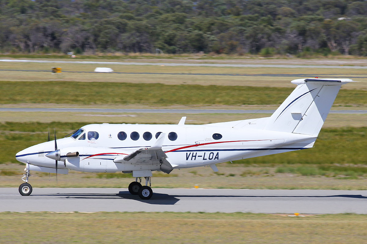 VH-LOA BeechB200 King Air (MSN BB1463) operated by AE Charter Services at Jandakot Airport – 26 March 2015.