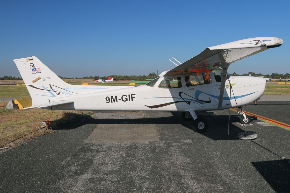 9M-GIF Cessna 172S Skyhawk SP (MSN 172S.....) owned by Airflite Pty Ltd, at Jandakot Airport - Sat 21 March 2015. This aircraft was imported with a number of other Cessna 172S Skyhawk SP aircraft from Gulf Golden International Flying College (GGIFA) of Bintulu, Malaysia, all of which were registered in March 2015 to Airflite using registrations commencing with VH-YH.. Built in 2008, ex ?. Photo © David Eyre