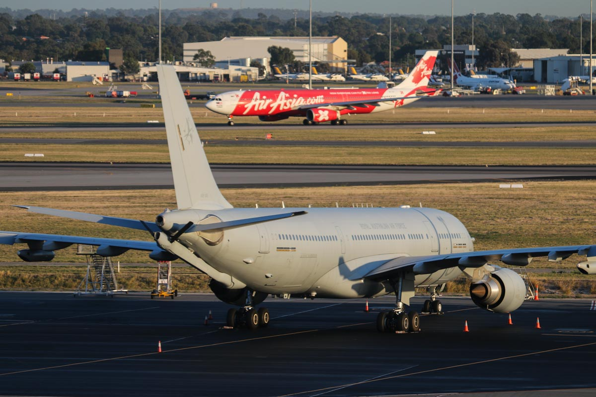 A39-005 Airbus KC-30A (A330-203MRTT) (MSN 1183) of 33 Squadron, RAAF, based at Amberley, QLD, at Perth Airport - Wed 1 April 2015. Arrived from Diego Garcia on 30 March 2015. Photo © David Eyre