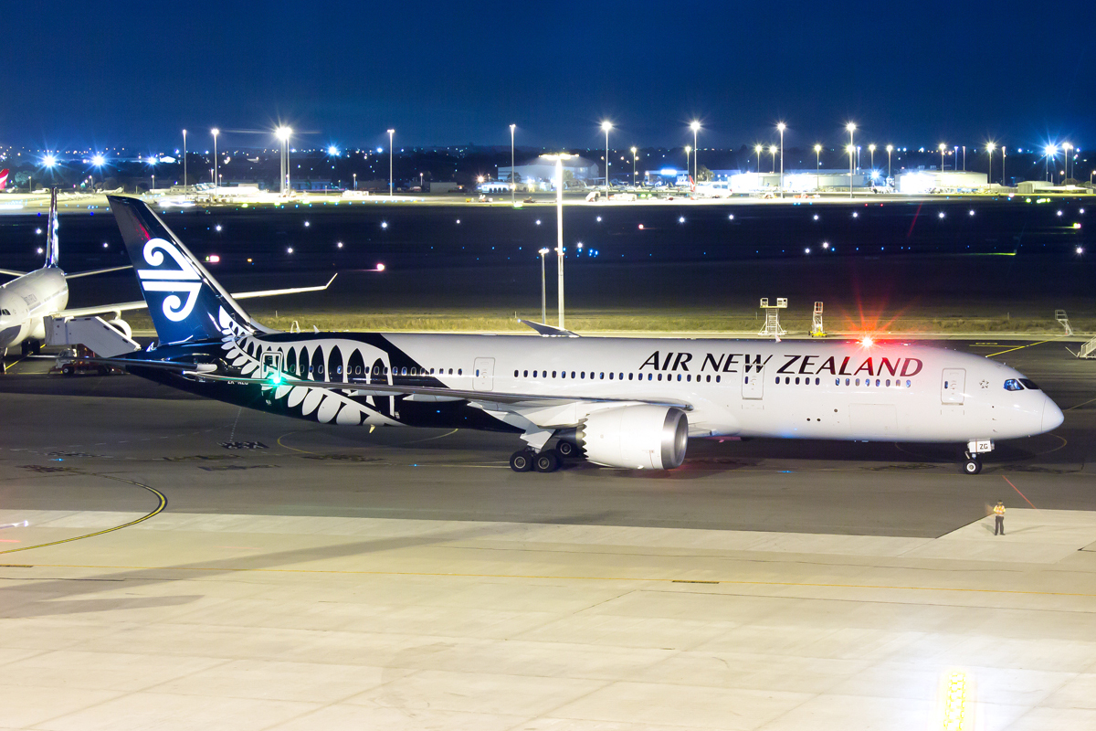 ZK-NZG Boeing 787-9 DreamLiner (MSN 37963) of Air New Zealand at Perth Airport – 3 April 2015.