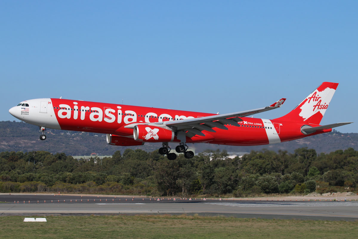 9M-XXV Airbus A330-343X (MSN 1589) of AirAsia X at Perth Airport – Sun 19 April 2015. Landing on runway 03 at 2:27 pm as flight D7 232 from Kuala Lumpur. Photo © Steve Jaksic
