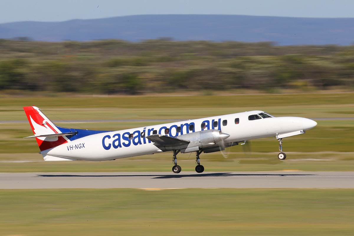 VH-NGX Swearingen SA226TC Metro II (MSN TC-287 / 254) of Casair, at Jandakot Airport – 22 April 2015.