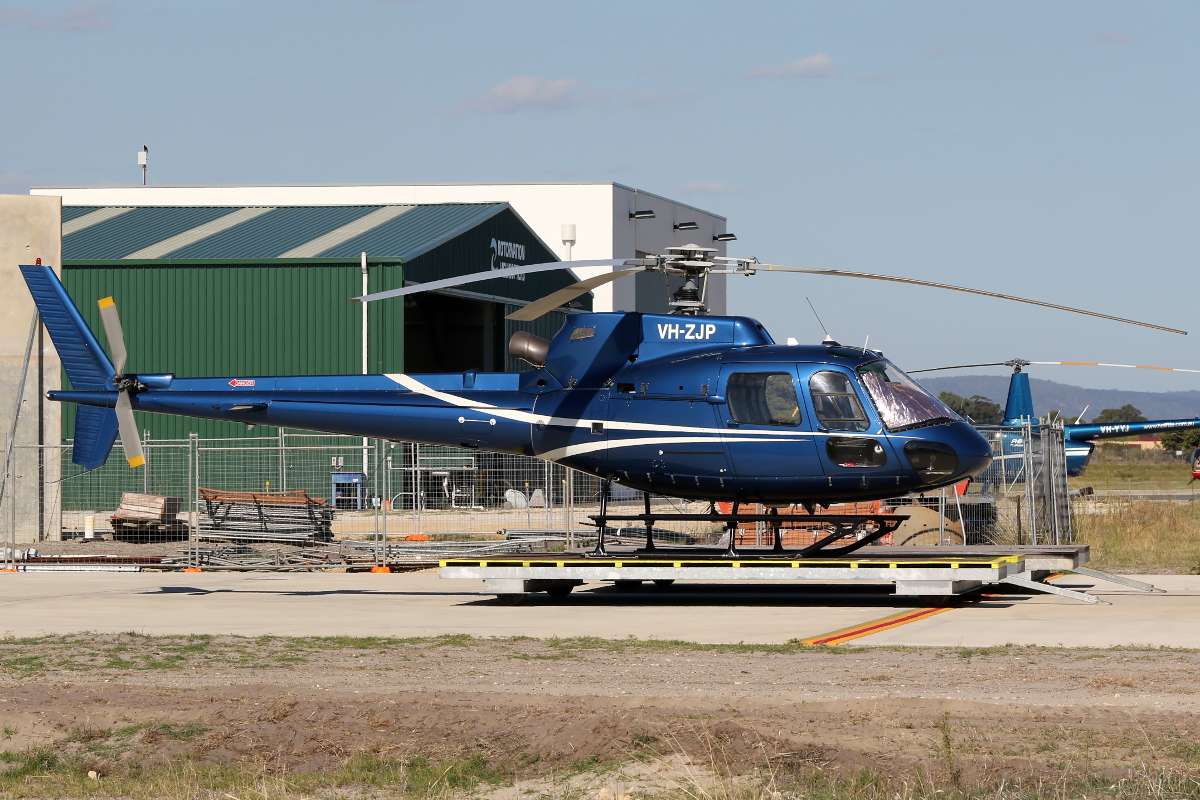 VH-ZJP Eurocopter AS350B2 Squirrel (MSN 3297) at Jandakot Airport – 22 April 2015.