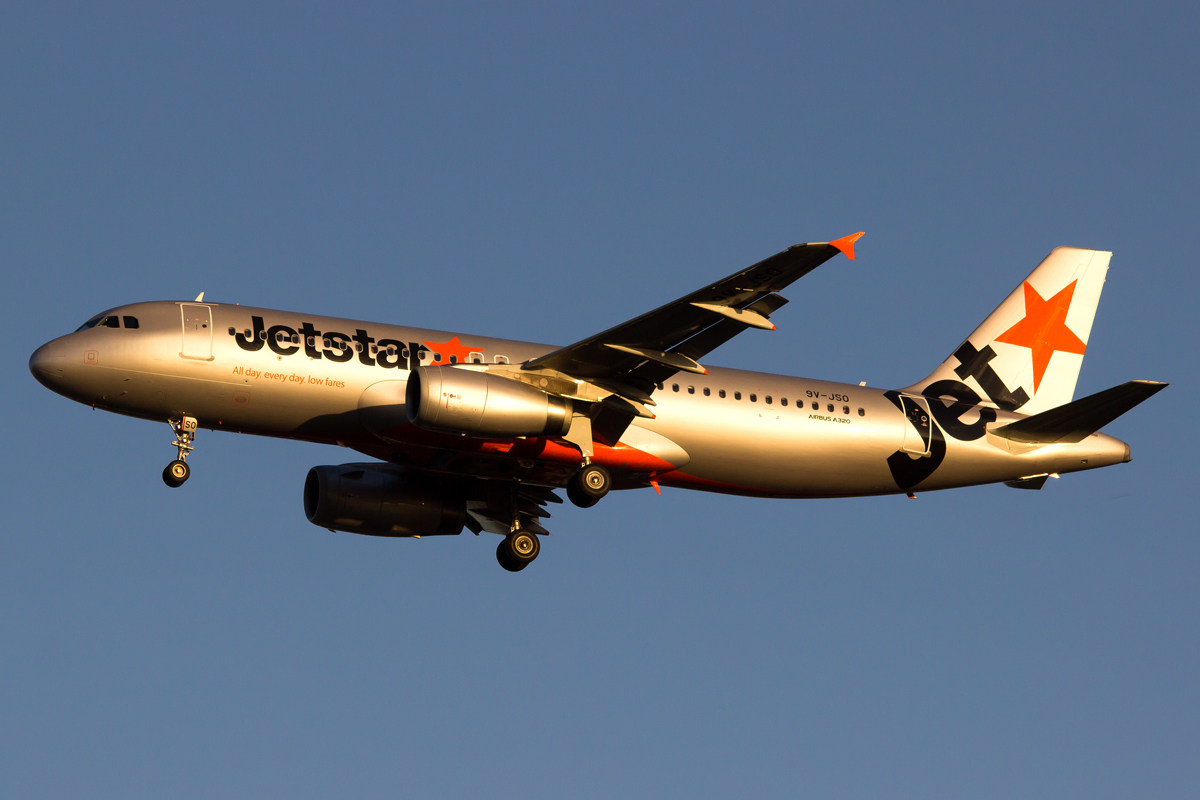 9V-JSO Airbus A329-232 (MSN 5305) of Jetstar Asia at Perth Airport – 15 April 2015.