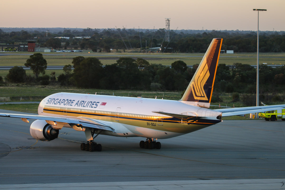 9V-SQJ Boeing 777-212ER (MSN 30875/406) Singapore Airlines, at Perth Airport – Fri 1 May 2015. Flight SQ214 to Singapore, taxying out on taxiway S at 5:30pm. Photo © David Eyre