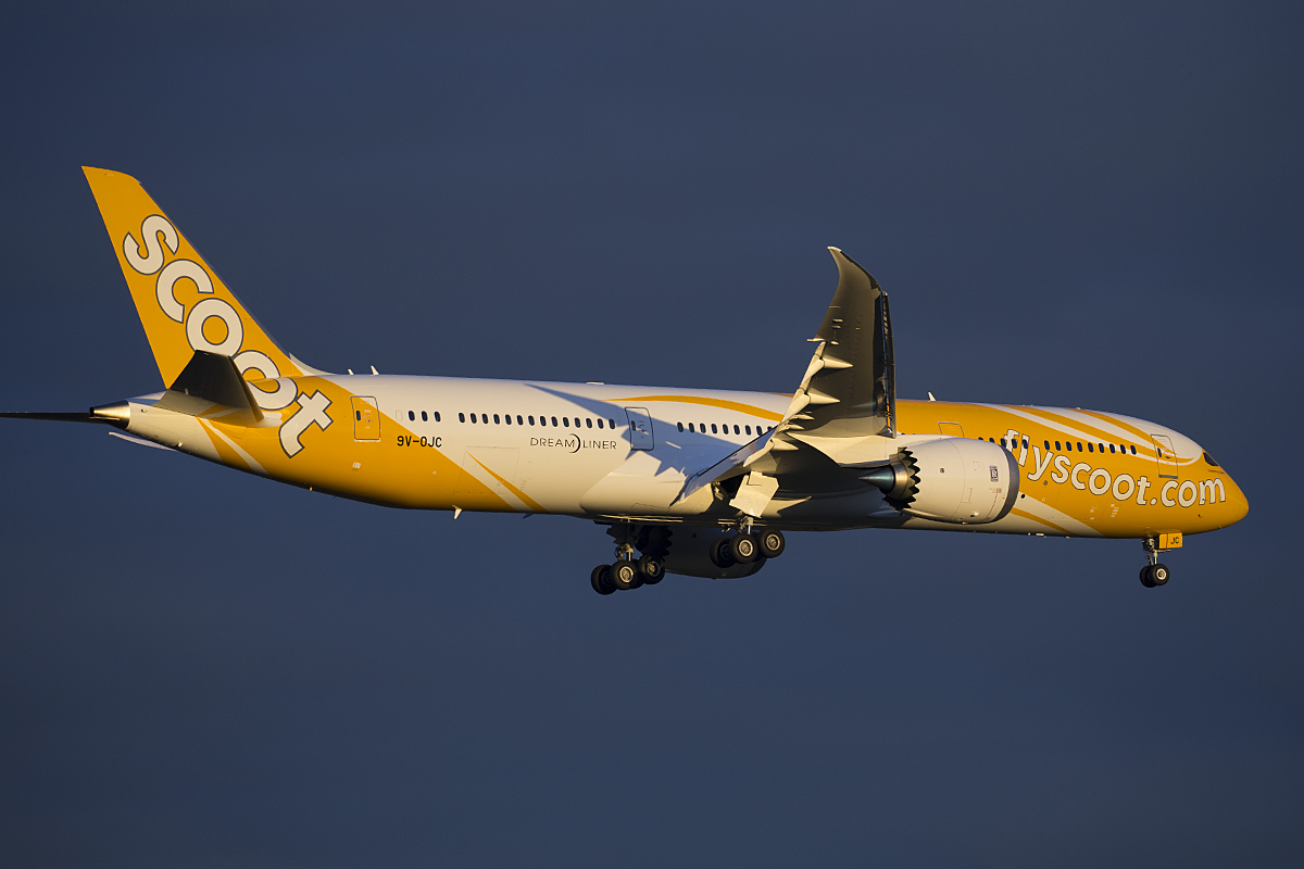 9V-OJC Boeing 787-9 DreamLiner (MSN 37114) of Scoot at Perth Airport – 6 May 2015.