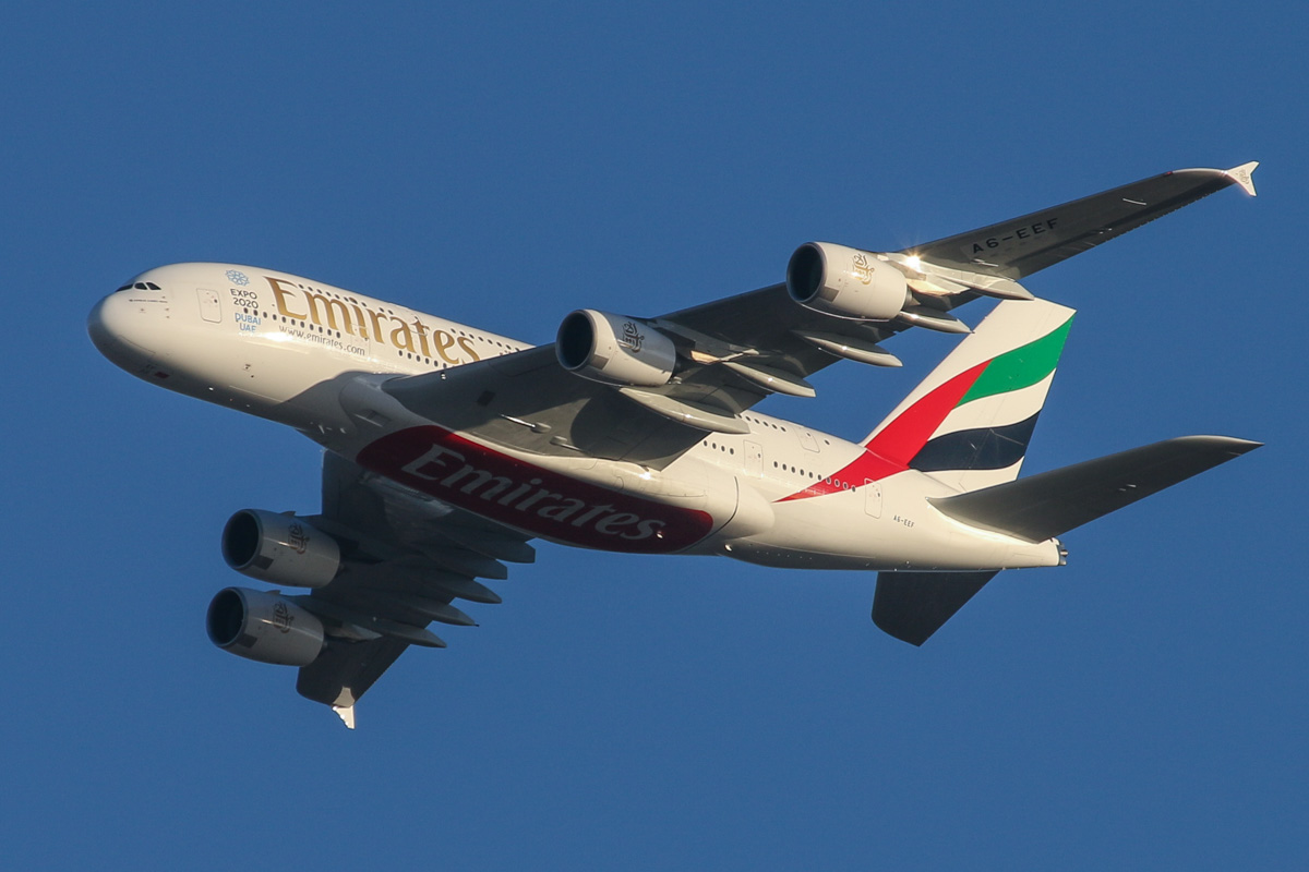A6-EEF Airbus A380-861 (MSN 113) of Emirates, over the northern suburbs of Perth - Tue 5 May 2015. First visit to Perth. Flight EK420 from Dubai, flying northeast along the 9 DME arc at 4:49pm before joining final approach to Perth Airport's runway 21. Photo © David Eyre