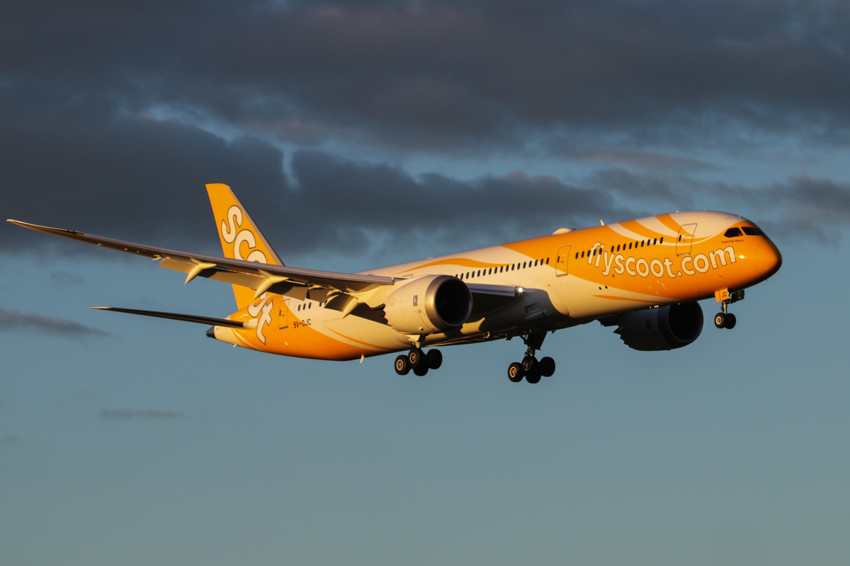 9V-OJC Boeing 787-9 Dreamliner (MSN 37114/284) of Scoot, named 'Inspiring Spirit', at Perth Airport - Wed 6 May 2015. Flight TZ8 from Singapore, on final approach to runway 21 at 5:14pm. This was 9V-OJC's second visit to Perth - it was delivered new to Scoot on 26 April 2015. Photo © David Eyre