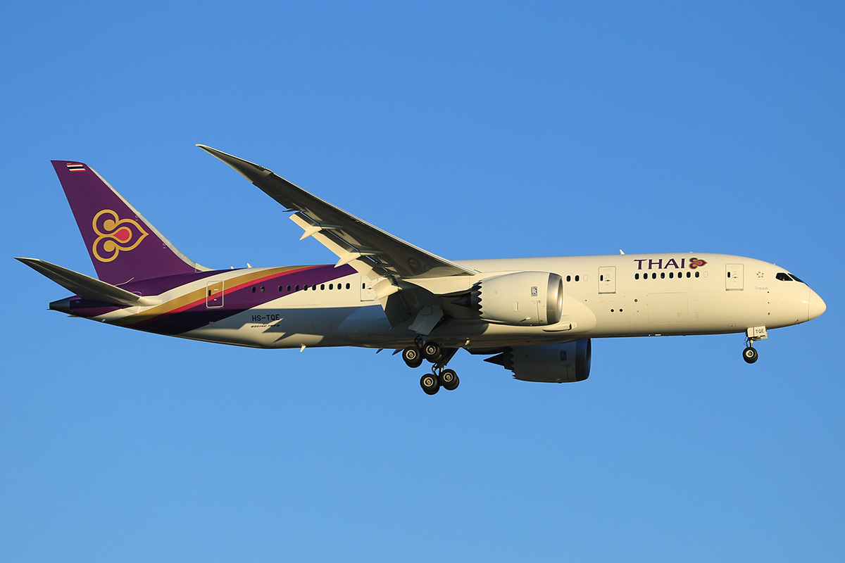 HS-TQE Boeing 787-8 DreamLiner (MSN 38757) of Thai Airways at Perth Airport – 12 May 2015.