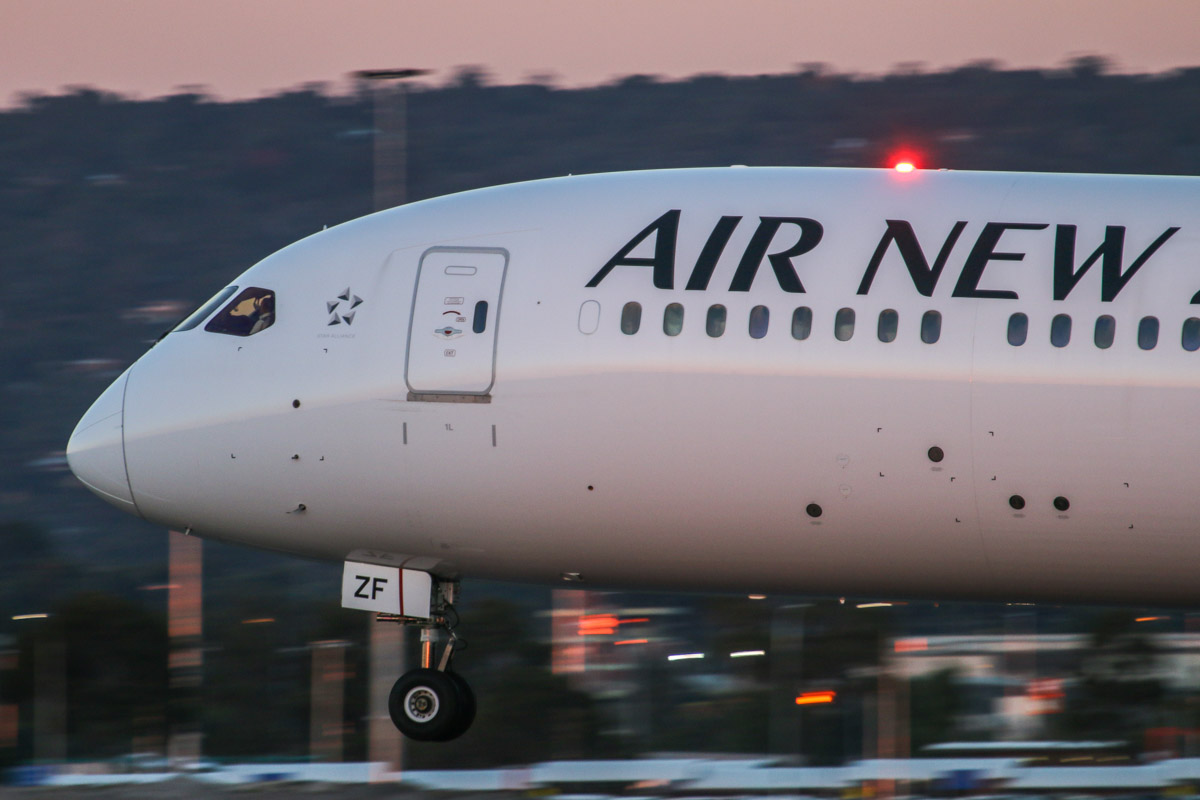 ZK-NZF Boeing 787-9 DreamLiner (MSN 34335/213) of Air New Zealand, at Perth Airport – Wed 13 May 2015. Flight NZ175 from Auckland, landing on runway 03 at 5:25 pm. Photo © David Eyre