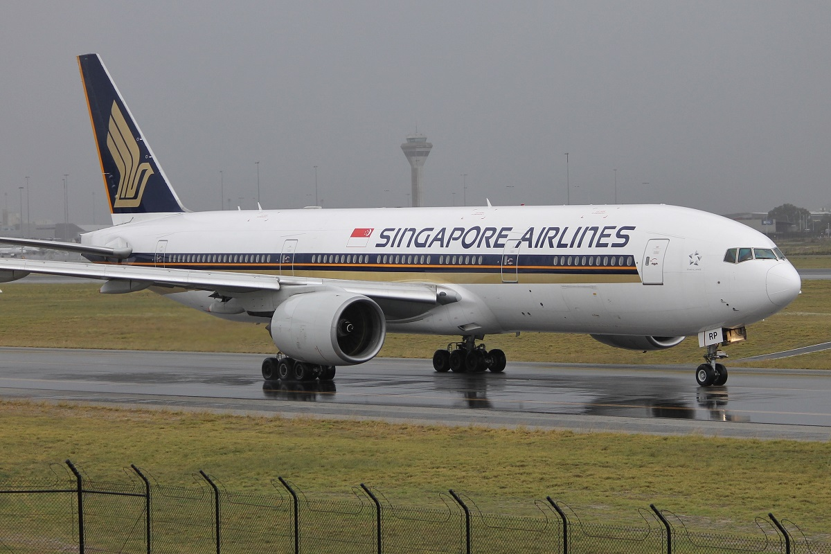 9V-SRP Boeing 777-212ER (MSN 33369/448) of Singapore Airlines at Perth Airport – 17 May 2015.