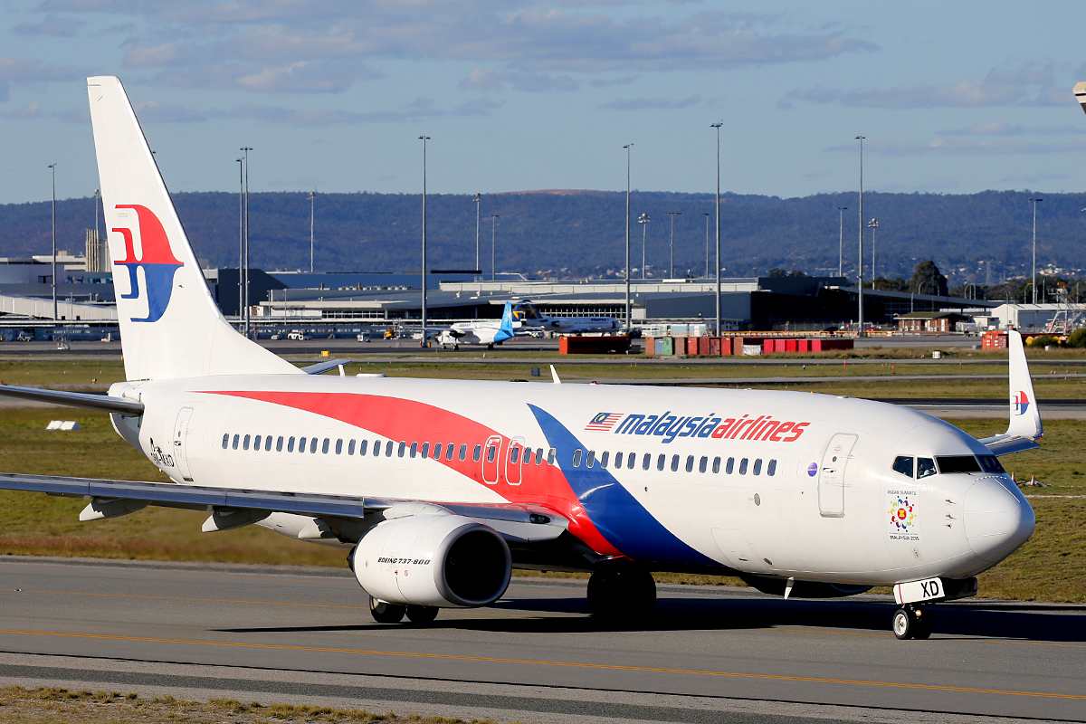 9M-MXD Boeing 737-8H6 (W) (MSN 40131) of Malaysia Airlines at Perth Airport – 20 May 2015.