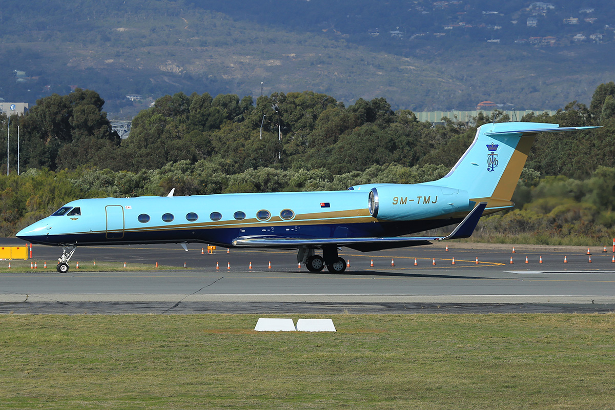 9M-TMJ Gulfstream GV-SP (G550) (MSN 5493) at Perth Airport – Thurs 4 June 2015.