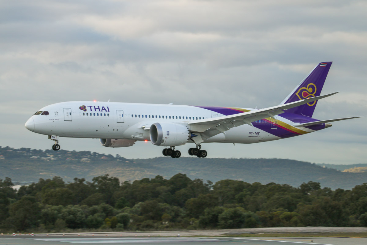 HS-TQE Boeing 787-8 Dreamliner (MSN 38757/287) of Thai Airways, named 'Kosum Phisai' at Perth Airport – Fri 26 June 2015. Landing on runway 03 at 8:20am as flight TG483 from Bangkok. Photo © David Eyre