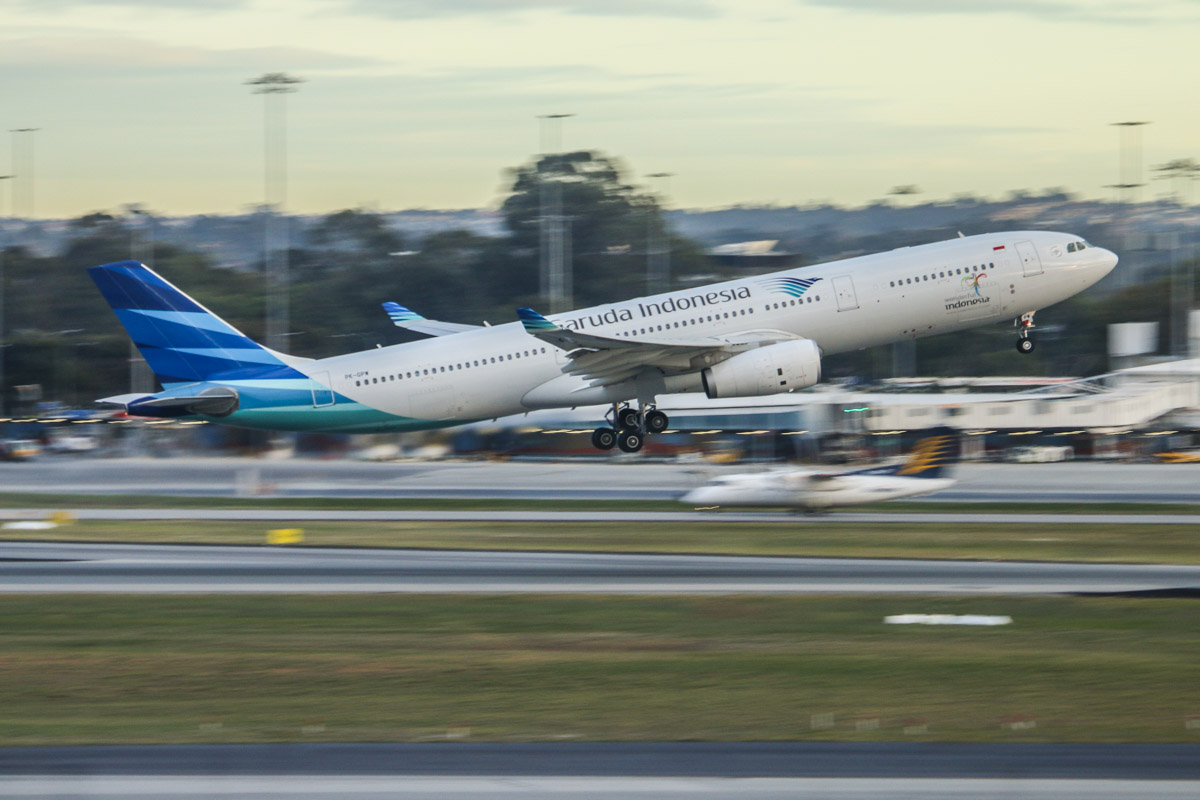 PK-GPW Airbus A330-343X (MSN 1585) of Garuda Indonesia, at Perth Airport – Fri 26 June 2015. Taking off from runway 21 at 7:58am as flight GA727 to Denpasar (Bali). Photo © David Eyre