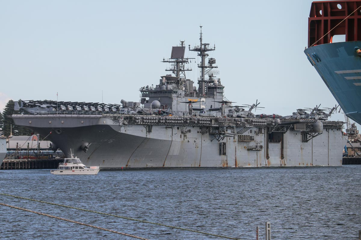 USS Bonhomme Richard (LHD-6), a Wasp-class Landing, Helicopter, Dock (amphibious assault) ship, at Fremantle – Fri 26 June 2015. Aircraft aboard were from the 31s Marine Expeditionary Unit (31st MEU), and included MV-22B Ospreys of VMM-265, AV-8B Harrier IIs of VMA-311, CH-53E Super Stallions of HMH-462, and MH-60S Seahawks of HSC-25 Detachment 6. Photo © David Eyre