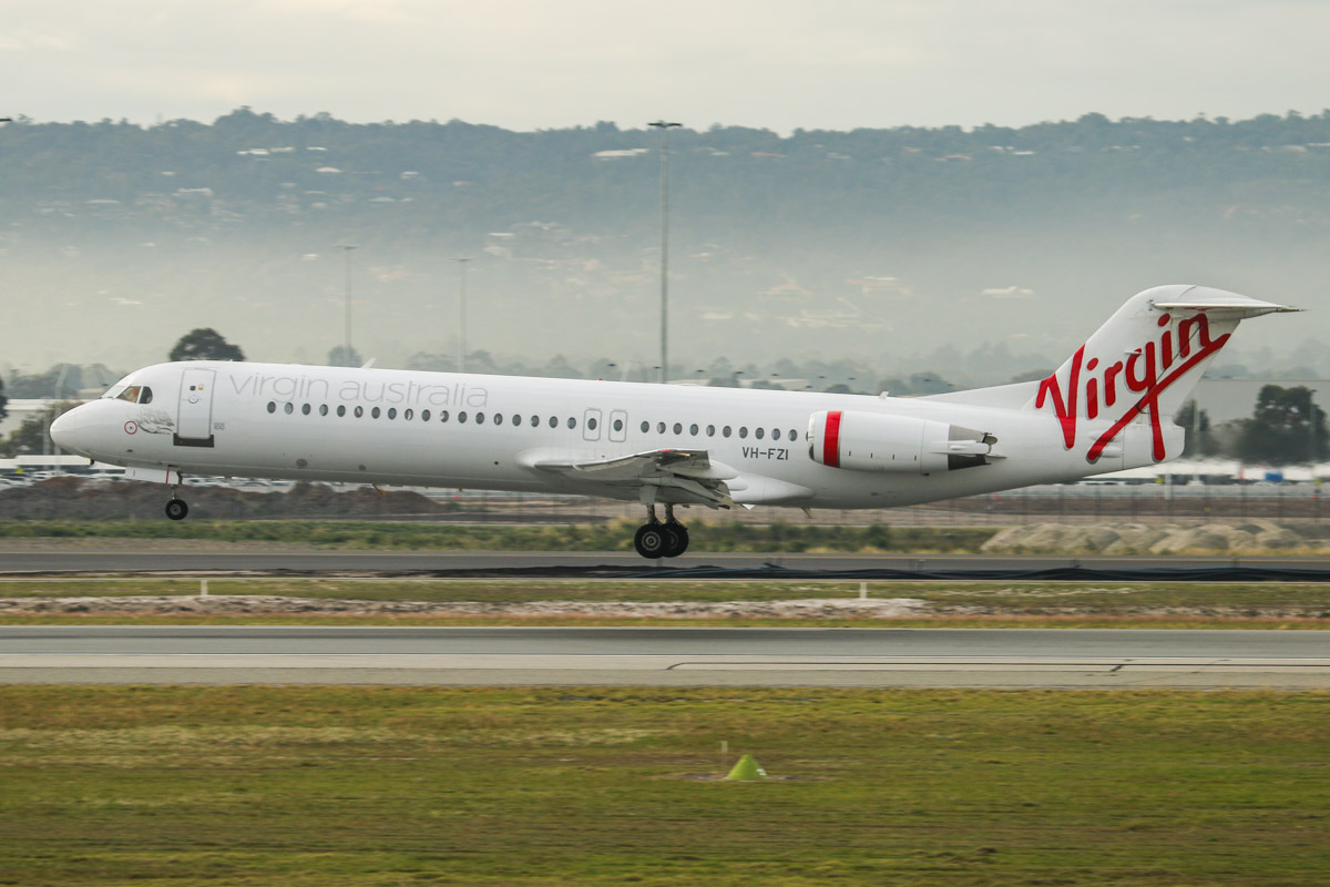 VH-FZI Fokker 100 (MSN 11333) of Virgin Australia Regional Airlines, at Perth Airport – Fri 26 June 2015. Flight VA2652 from Geraldton, landing on runway 03 at 3:30pm. Photo © David Eyre