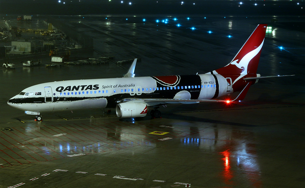 VH-XZJ Boeing 737-838 (MSN 39365/4669) of Qantas, in 'Mendoowoorrji' Aboriginal art livery, at Perth Airport – 4 July 2015.