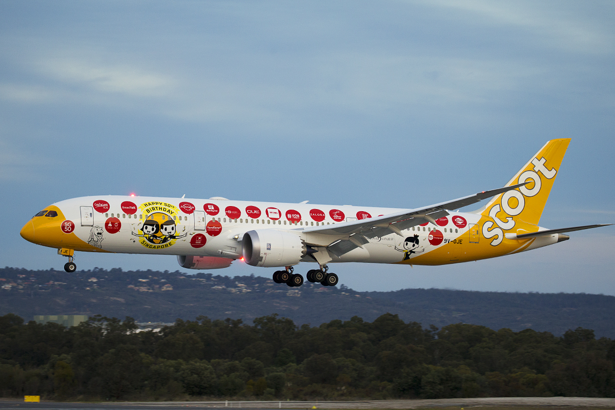 9V-OJE Boeing 787-9 Dreamliner (MSN 37116) of Scoot at Perth Airport – 13 July 2015.