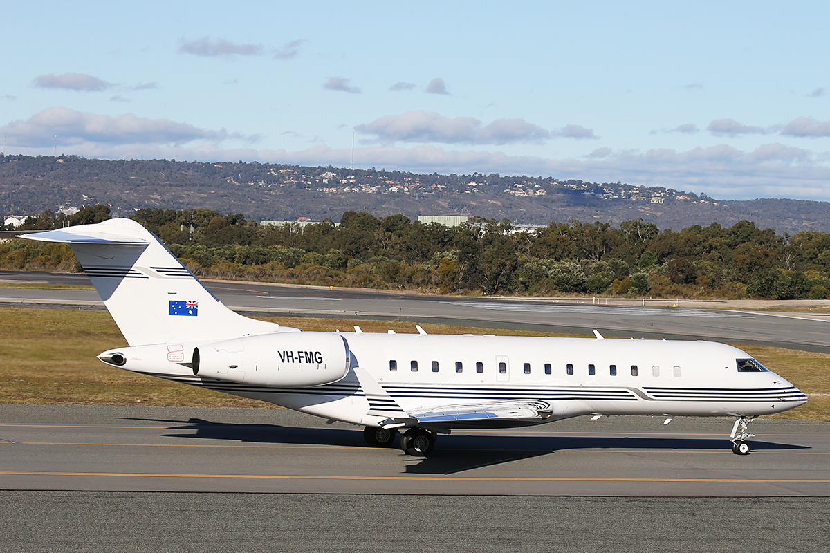 VH-FMG Bombardier BD-700-1A10 Global Express (MSN 9015) of FMG Air Pty Ltd, a subsidiary of Perth-based mining company Fortescue Metals Group, operated by AVWest Pty Ltd, at Perth Airport – 15 July 2015.