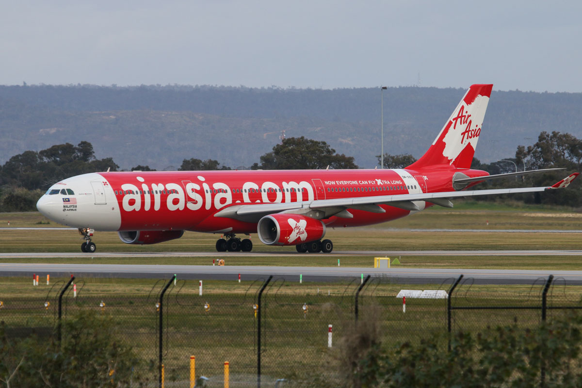9M-XXU Airbus A330-343X (MSN 1581) of AirAsia X, named 'Rhythmic Xperience', at Perth Airport - Tue 11 August 2015. Flight D7 233 to Kuala Lumpur, taxying to runway 21 at 4:19pm for take-off. Photo © David Eyre