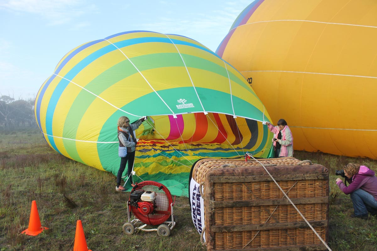 VH-ACU Kavanagh D-90 hot air balloon (MSN D90-483) owned by Robert A Clements of Northam, WA, at Cunderdin - Sat 29 August 2015. Preparing for a practice flight for the National Ballooning Championships. They had to relocate from Northam due to fog. Photo © Jonathan Williams