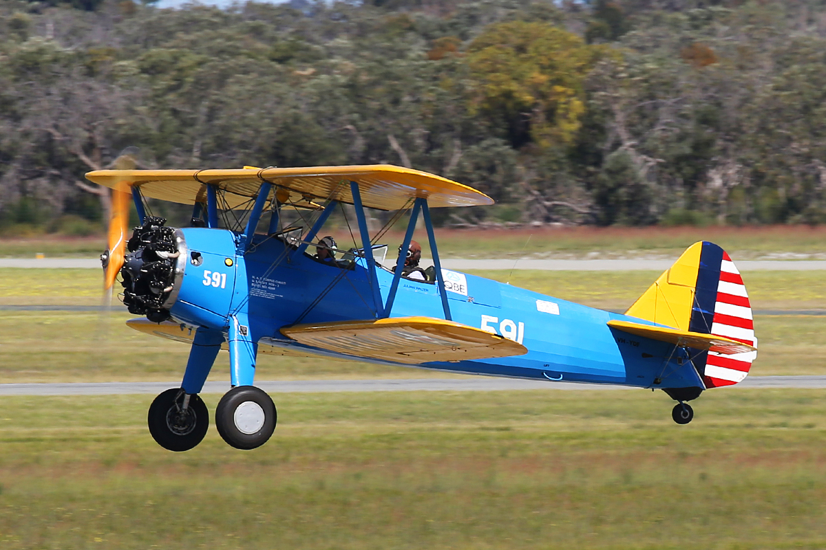 VH-YDF / 4269 / 591 Boeing B75N1 (N2S-3) Stearman (MSN 75-2599B) at Jandakot Airport – 8 Sept 2015.
