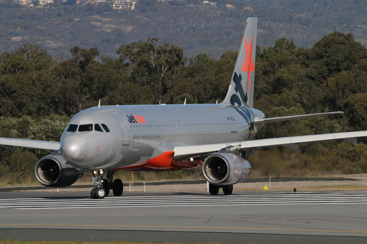 VH-VQJ Airbus A320-232 (MSN 2703) of Jetstar, at Perth Airport, Thu 17 September 2015. Flight JQ106 to Denpasar (Bali) lining up on runway 03 for takeoff at 3:41pm. Photo © David Eyre