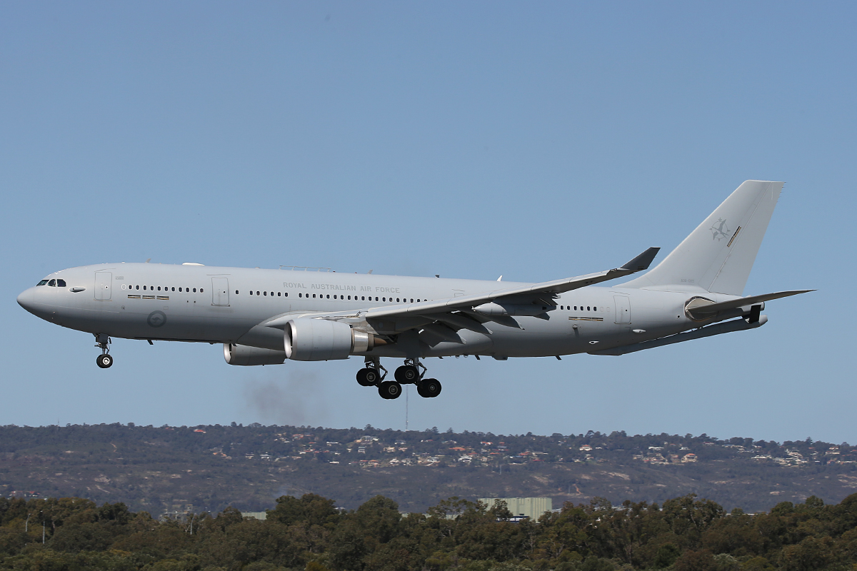 A39-005 Airbus KC-30A (A330-203MRTT) (MSN 1183) of 33 Squadron, RAAF, based at Amberley, QLD, at Perth Airport – 19 September 2015.