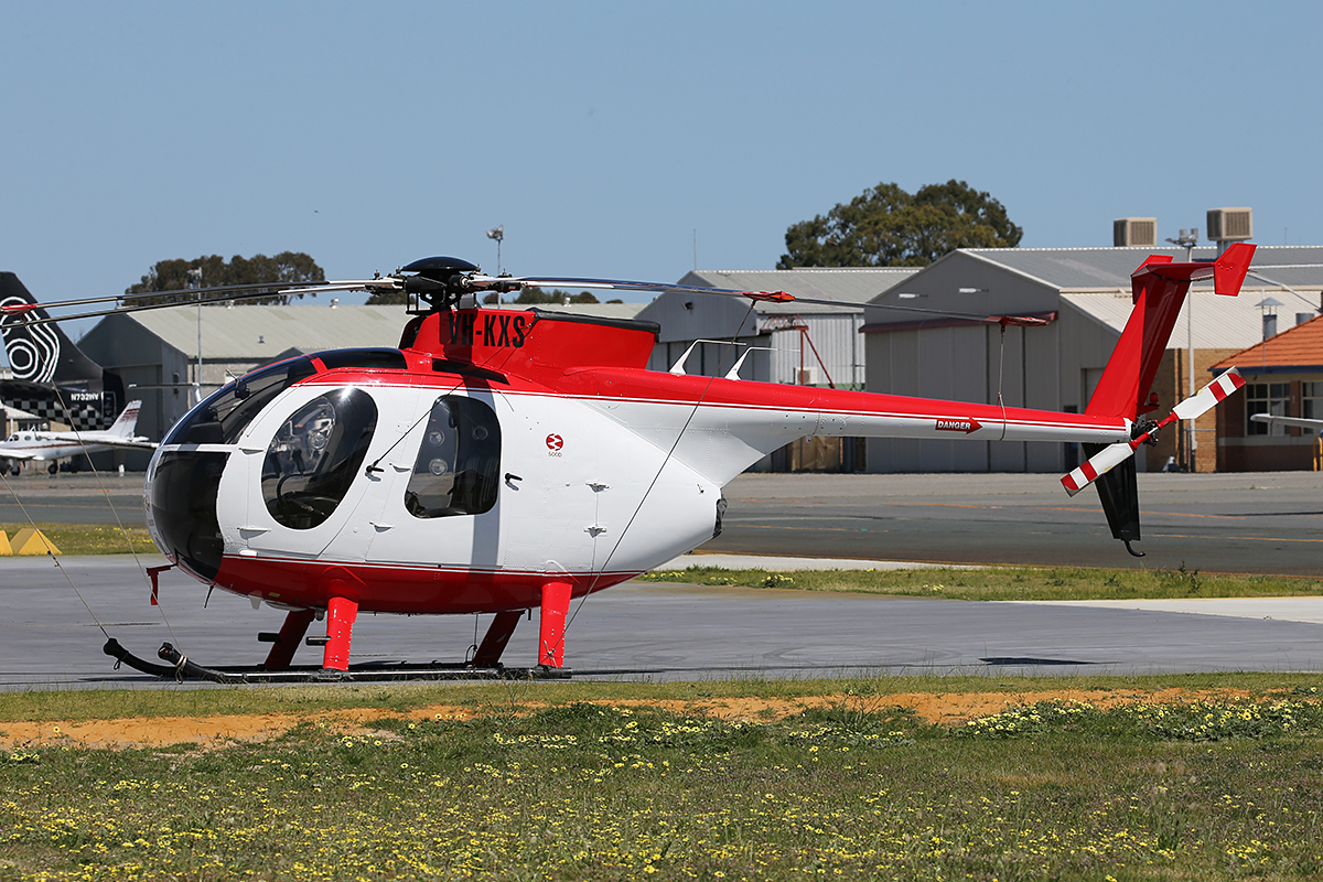 VH-KXS Hughes 369D 500D (MSN 570139D) of S & C Smart Pty Ltd at Jandakot airport – Sun 20 Sept 2015. Built in 1977, ex ZS-HTX, N500ZW, TG-MAC, TG-WAE. Photo © Keith Anderson.