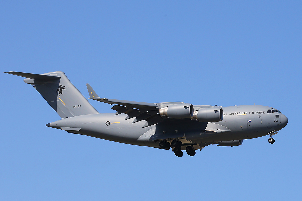 A41-213 Boeing C-17A Globemaster III (MSN F-271) of RAAF at Perth Airport – 25 September 2015.