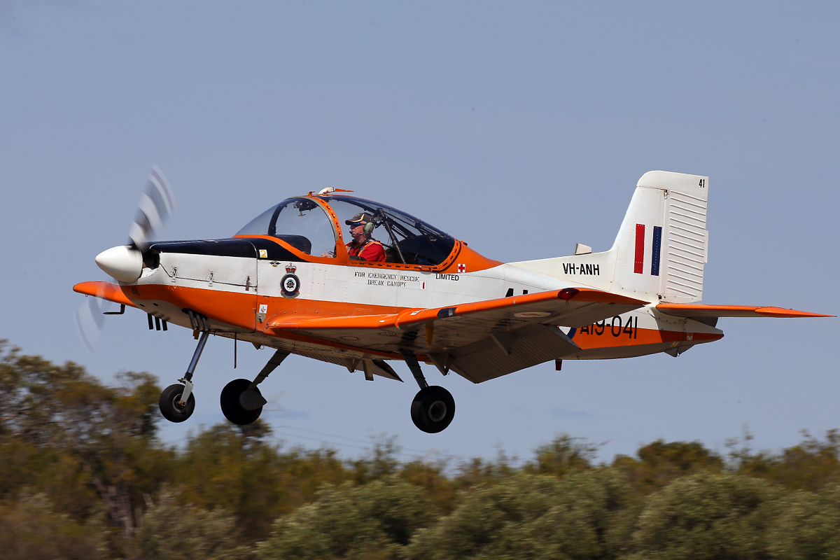 VH-ANH/A19-041 NZAI CT-4A Airtrainer (MSN 041) owned by David Gard at SABC Annual Fly-In, Serpentine Airfield - Sun 27 September 2015.