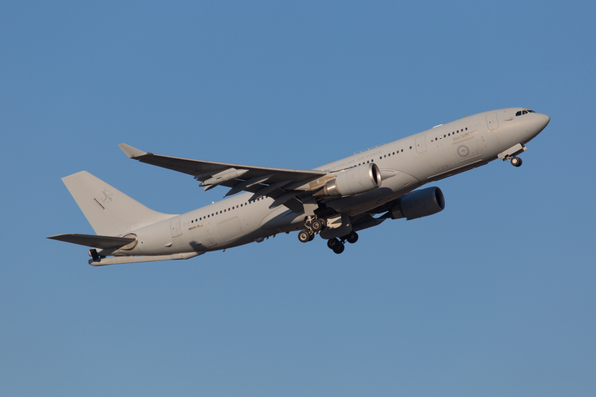 A39-003 Airbus KC-30A (A330-200MRTT) (MSN 969) of RAAF, 33 Squadron, at Perth Airport – Fri 25 September 2015. Using callsign 'DRAGON 10', taking off from runway 21 at 5:15pm. This arrived earlier that afternoon as part of Exercise NORTHERN SHIELD, which was mainly focused on the area around Learmonth and Exmouth. Photo © Marcus Graff