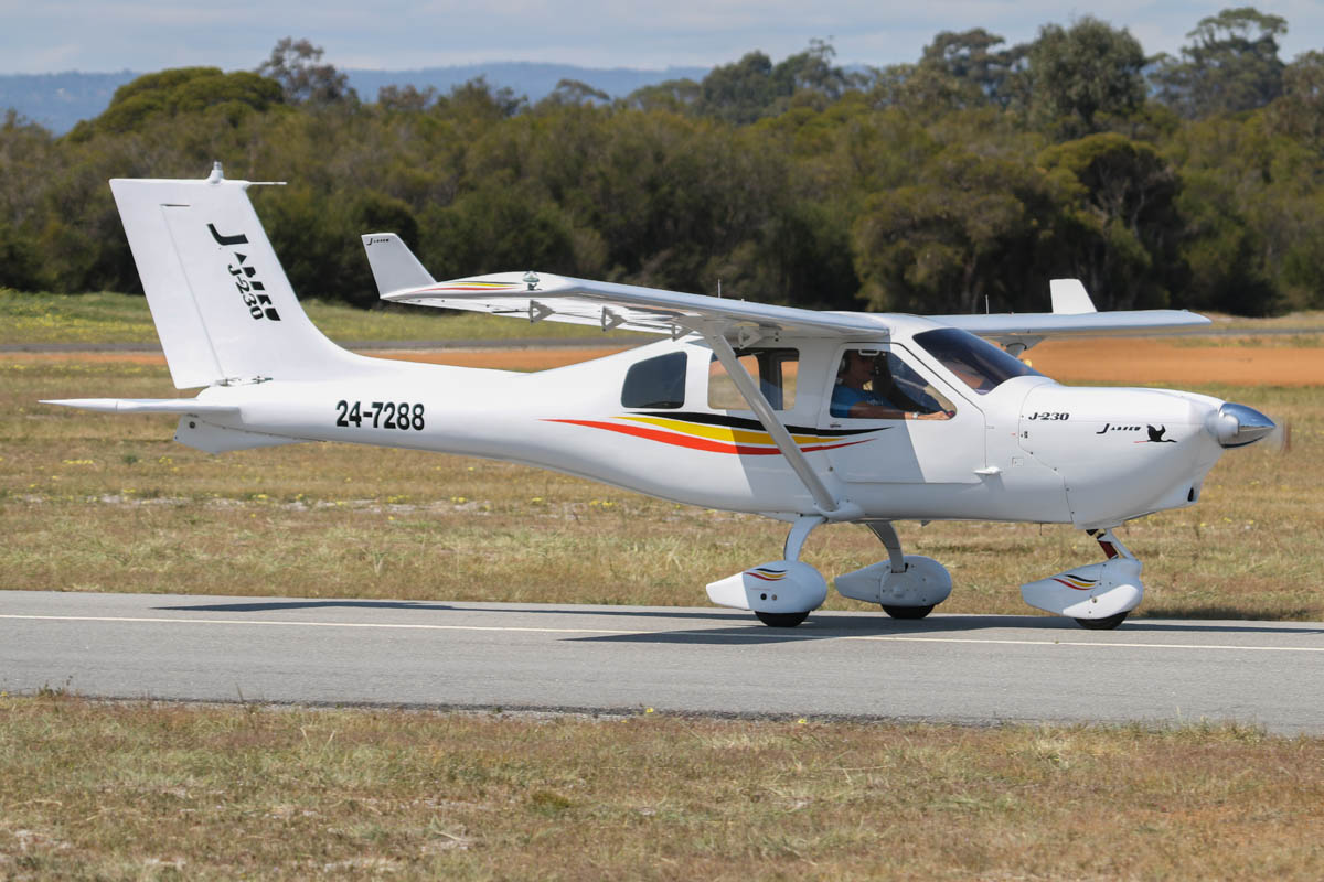 24-7288 Jabiru J230-D (MSN J705), at Serpentine Airfield - Sun 27 September 2015. Photo © David Eyre