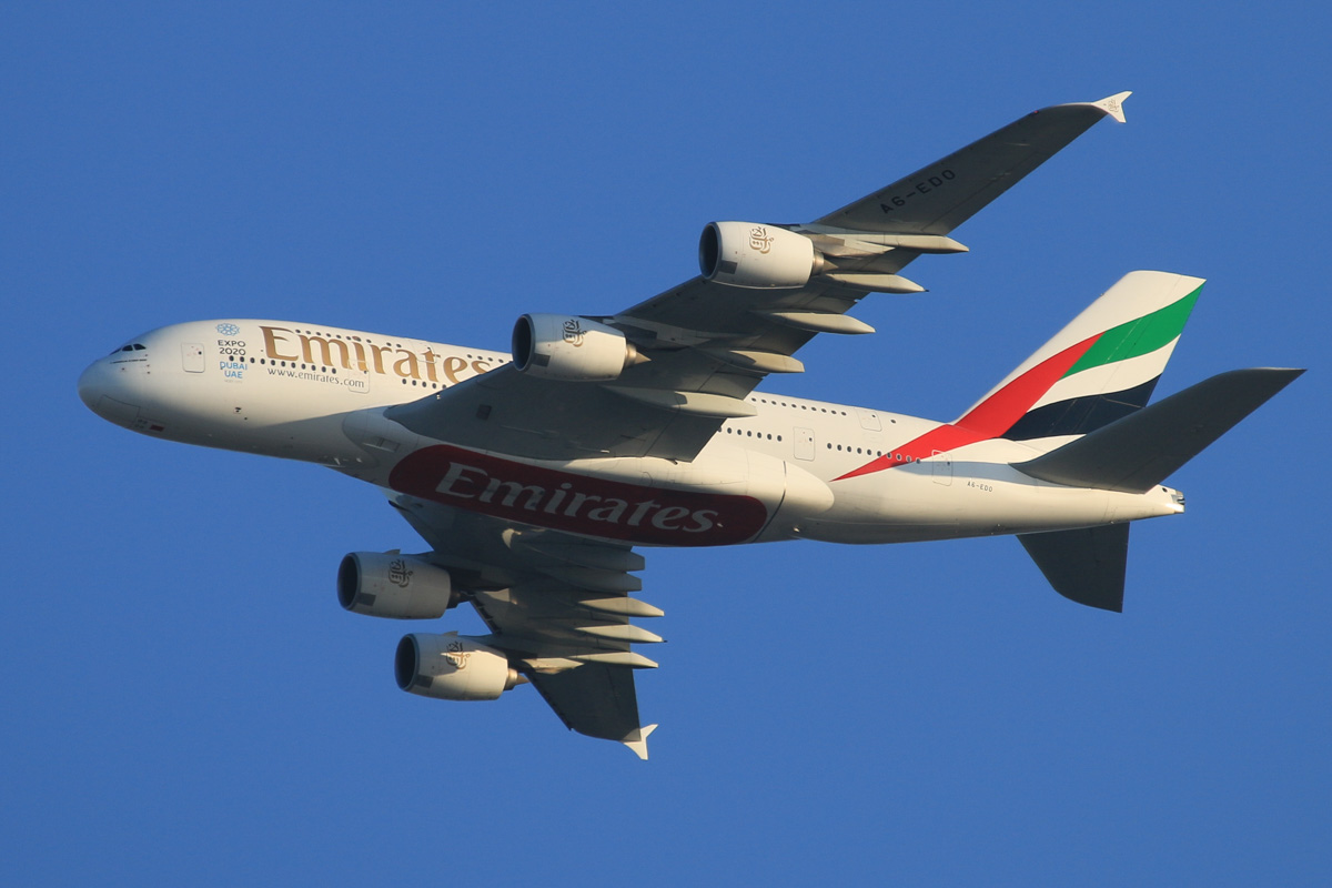 A6-EDO Airbus A380-861 (MSN 057) of Emirates, over the northern suburbs of Perth - Mon 12 October 2015. Flight EK420 from Dubai, at 3,100 feet, turning northeast along the 9 DME arc, before joining the approach to Perth Airport's runway 21 at 5:37pm. Photo © David Eyre