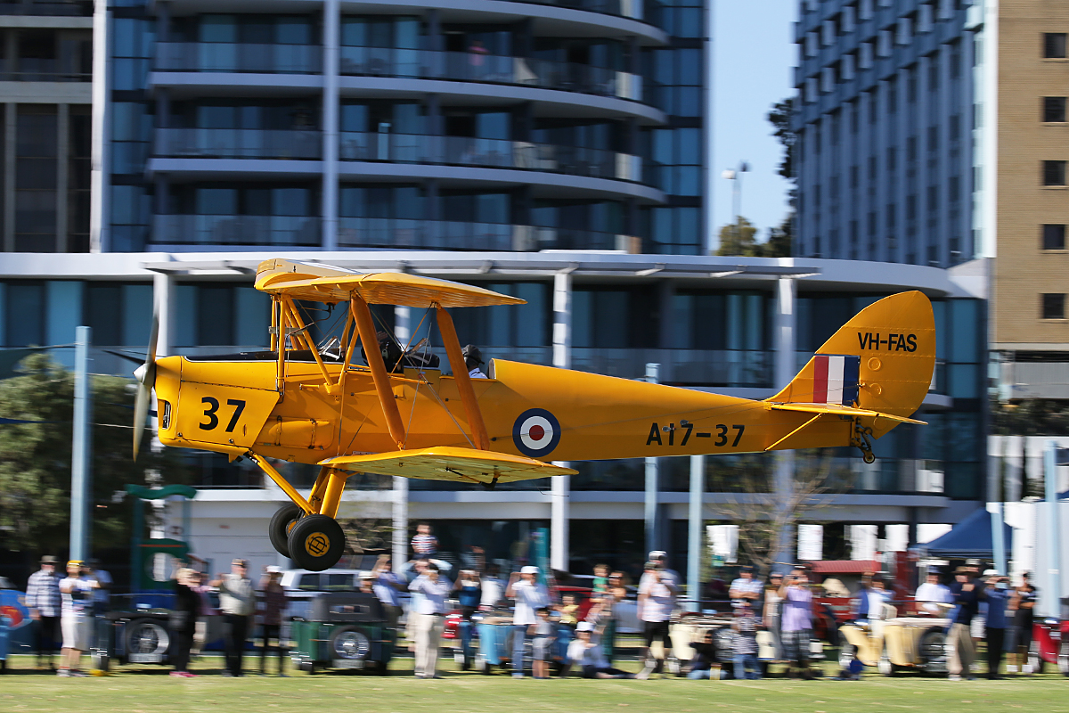 VH-FAS / A17-37 De Havilland DH.82A Tiger Moth (MSN DHA34) of Griffin Aviation Pty Ltd (operated by Royal Aero Club of Western Australia Inc) at Langley Park – 17 October 2015.