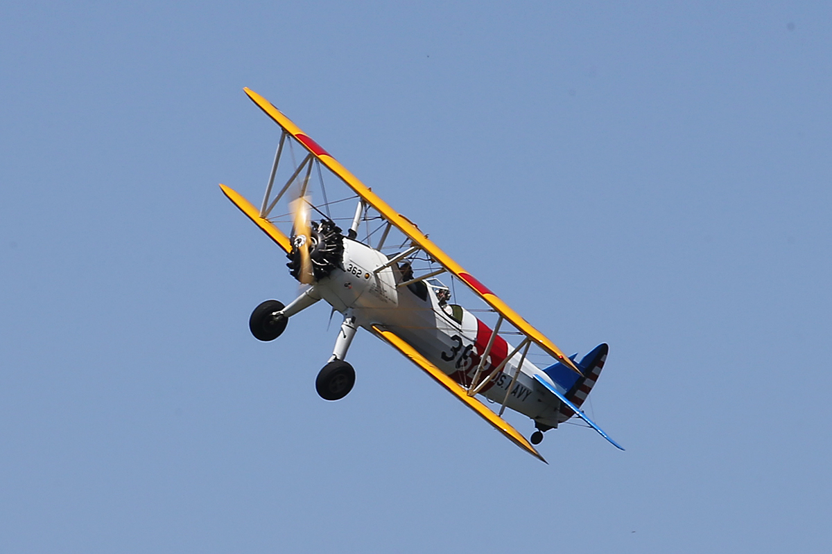 """VH-YND / """"42-755362 / 362"""" Boeing E75 (N2S-5) Stearman (MSN 75-5362) owned by Carl Ende, at Langley Park – 17 October 2015."""
