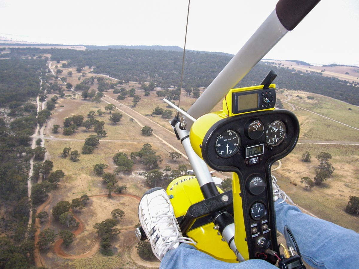 View from a Solo Wings Winlass Aquilla, at White Gum Farm Airfield (YWGM) - 29 October 2006. The Aquilla is a South African designed weight shift trike ultralight. Photo © Andrew Cotterall