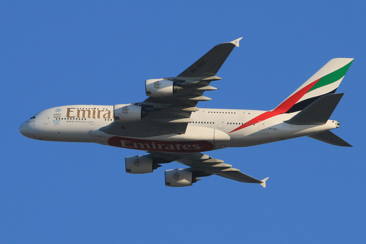 A6-EDZ Airbus A380-861 (MSN 107) of Emirates, over the northern suburbs of Perth - Tue 20 October 2015. Flight EK420 from Dubai, turning northeast along the 9 DME arc, before joining the approach to Perth Airport's runway 21 at 5:19pm. Photo © David Eyre