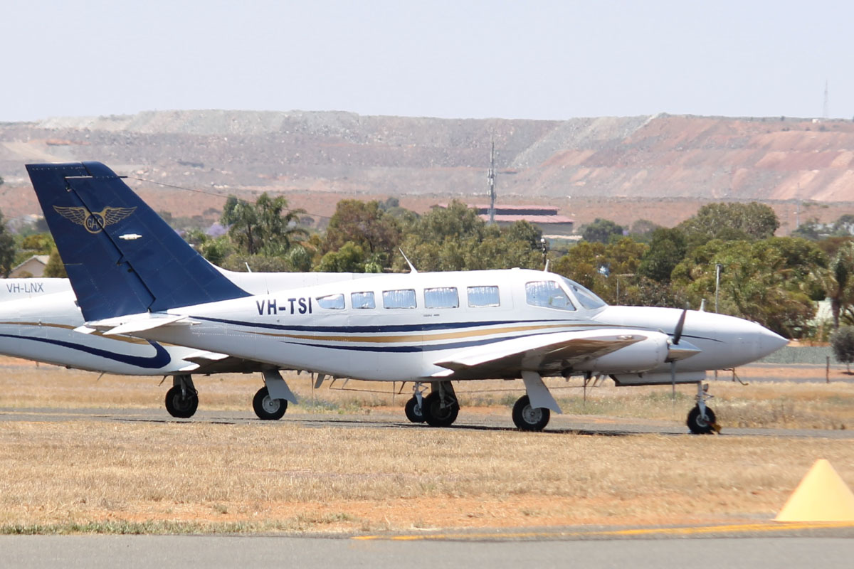 VH-TSI Cessna 402C (MSN 402C0492) owned by Goldfields Air Services (GAS) (Texrio Pty Ltd) at Kalgoorlie Airport - 22 October 2015. Built in 1981. ex N6841L. Based at Kalgoorlie. Photo © Jonathan Williams