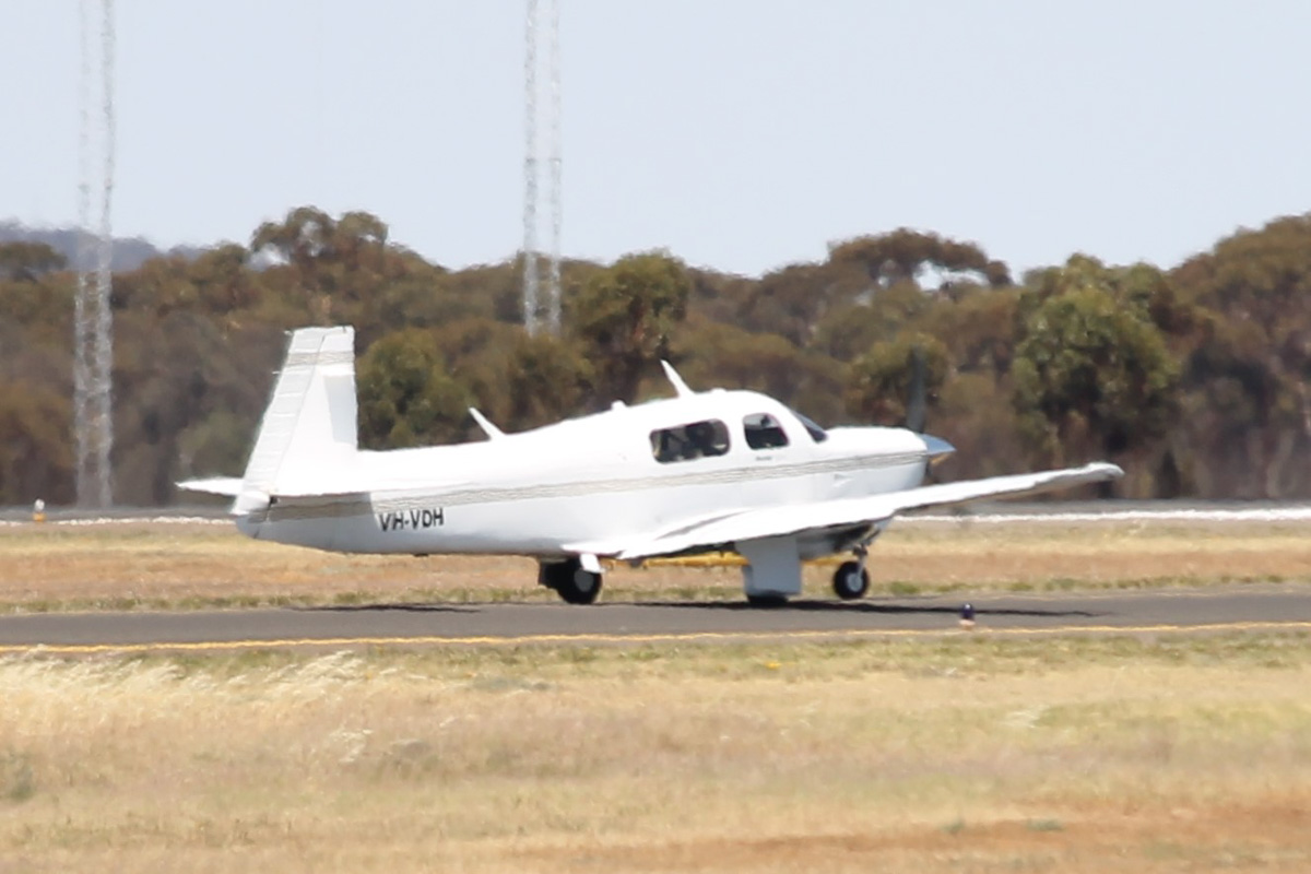 VH-VDH Mooney M20J 205 (MSN 24-3368) owned by John A Hillard, or Mount Beauty, Victoria, at Kalgoorlie Airport - 22 October 2015. Apologies for the heat haze affecting photo quality. Built in 1995, ex N923DH. Photo © Jonathan Williams